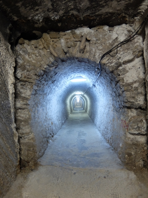 1000 Meter Access Tunnel